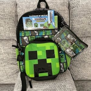 MINECRAFT (5) PIECE SET FOR THOSE GAMERS!